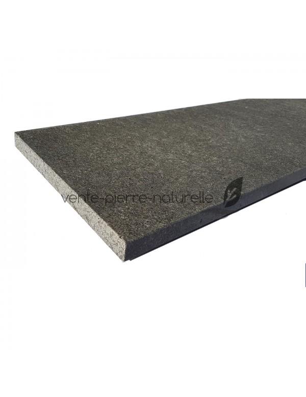 Margelle de piscine granit noir