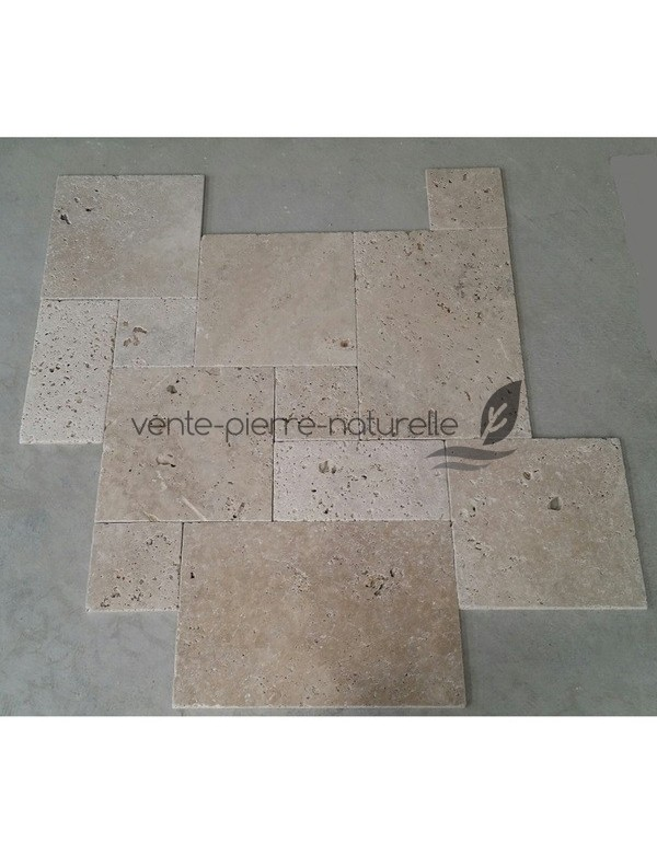 carrelage en travertin avec pose en opus romain
